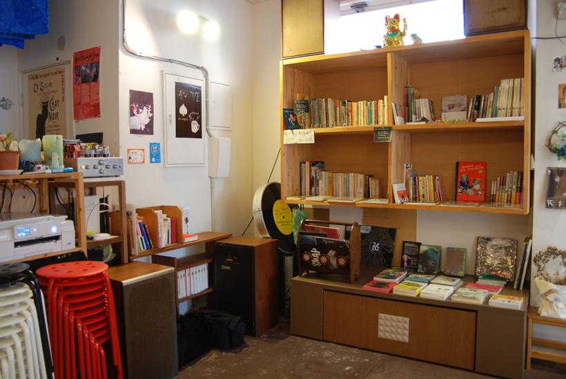 *書籍販売スペース