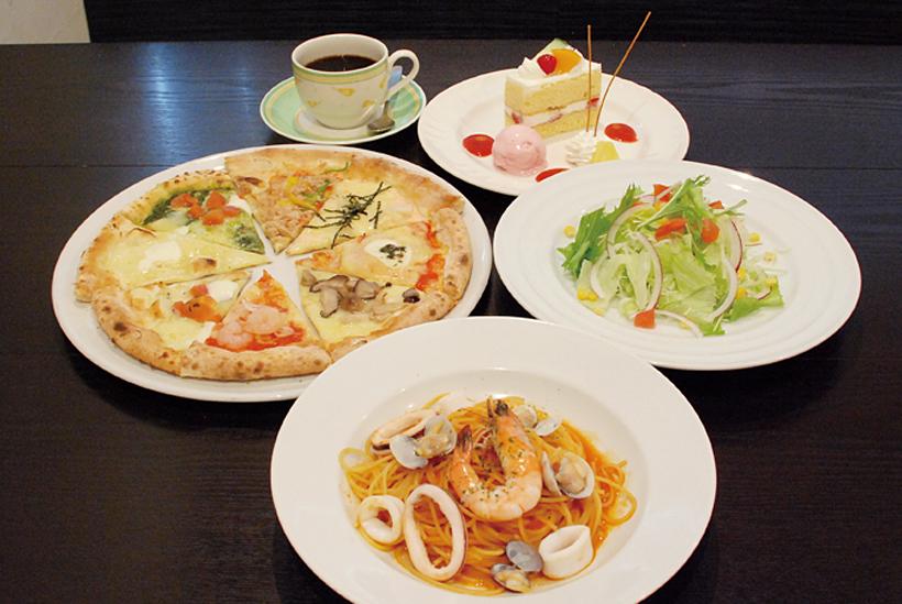 *パターテセット(ピッツァサービス+サラダorポテトスープorミネストローネ+お好きな料理+お好きなドルチェorパフェ+ドリンク) 1,495円(税別)