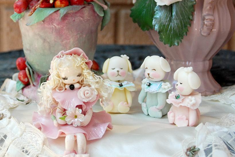 *手のひらサイズの可愛らしいお人形たち