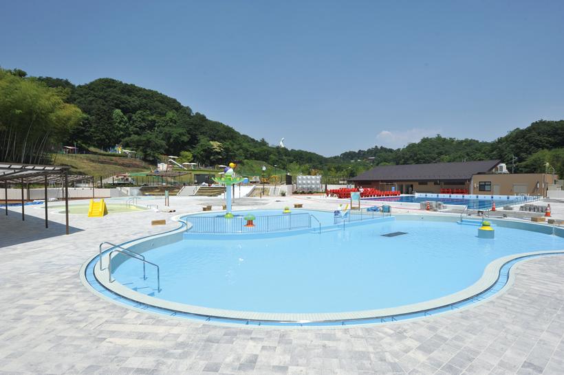 観音山プール写真03