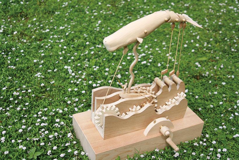*クジラのからくりおもちゃ