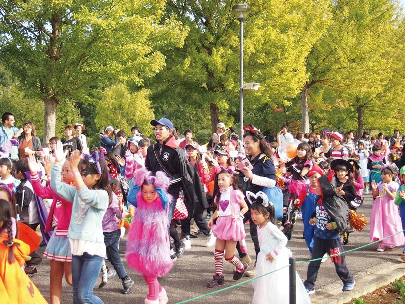 *パレードに参加の方は11:00に時計台前に集合