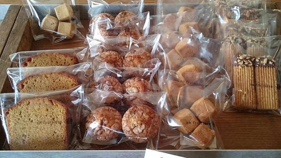 *一番のおすすめはキューブ型のクッキー サクサクした食感と口の中でほろりととろける