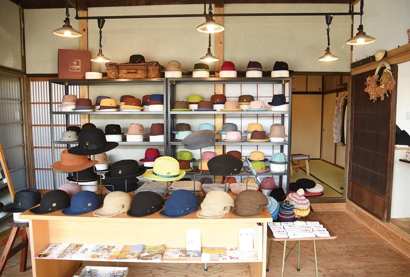 *色とりどりの美しい帽子が並ぶ店内