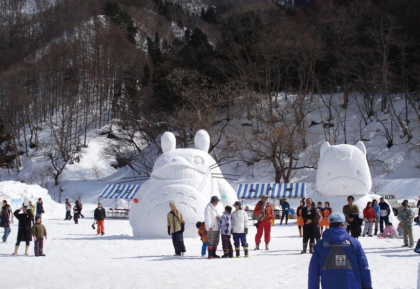 トトロ雪像