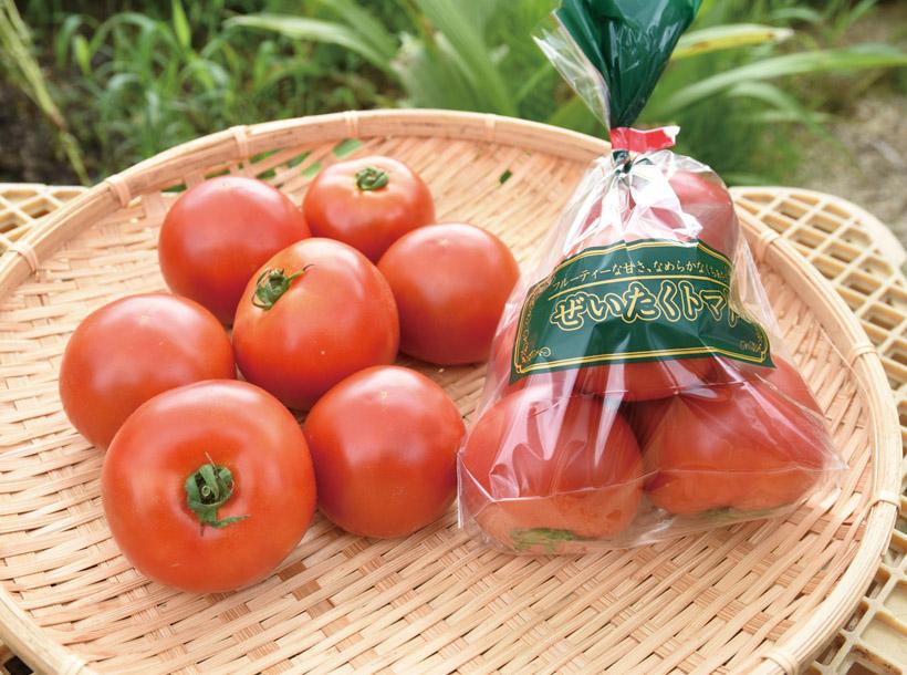 *ぜいたくトマト1袋 380円  販売時期…7月中旬〜10月いっぱい 食べ方…そのまま丸かじり 栄養…カリウム、リコピン、ビタミンA、ビタミンC、ビタミンE、ルチン、ビタミンB6、食物繊維