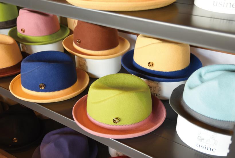 *店内に並んでいる彩豊かな帽子は、頭のサイズや色のオーダーも可能 ¥14,000〜